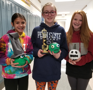 Select Annual MS Gardening Club Pumpkin Decorating Contest